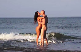 Franceska fucked on the beach