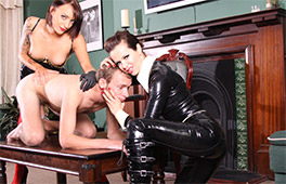 Dominatrix Loves To Be In Control