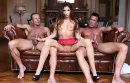 French lady pleased by two men - סרטי סקס