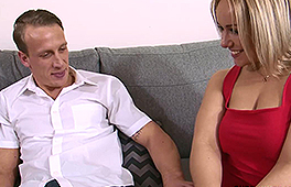 Curvy blonde wife enjoys being drilled by her hubby - סרטי סקס