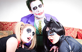 Joker banging Harley Quinn and Catwoman - סרטי סקס
