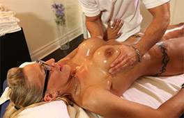 Milf Goddess Loves A Nuru Massage