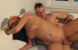 Blonde chick boned by hard prick - סרטי סקס
